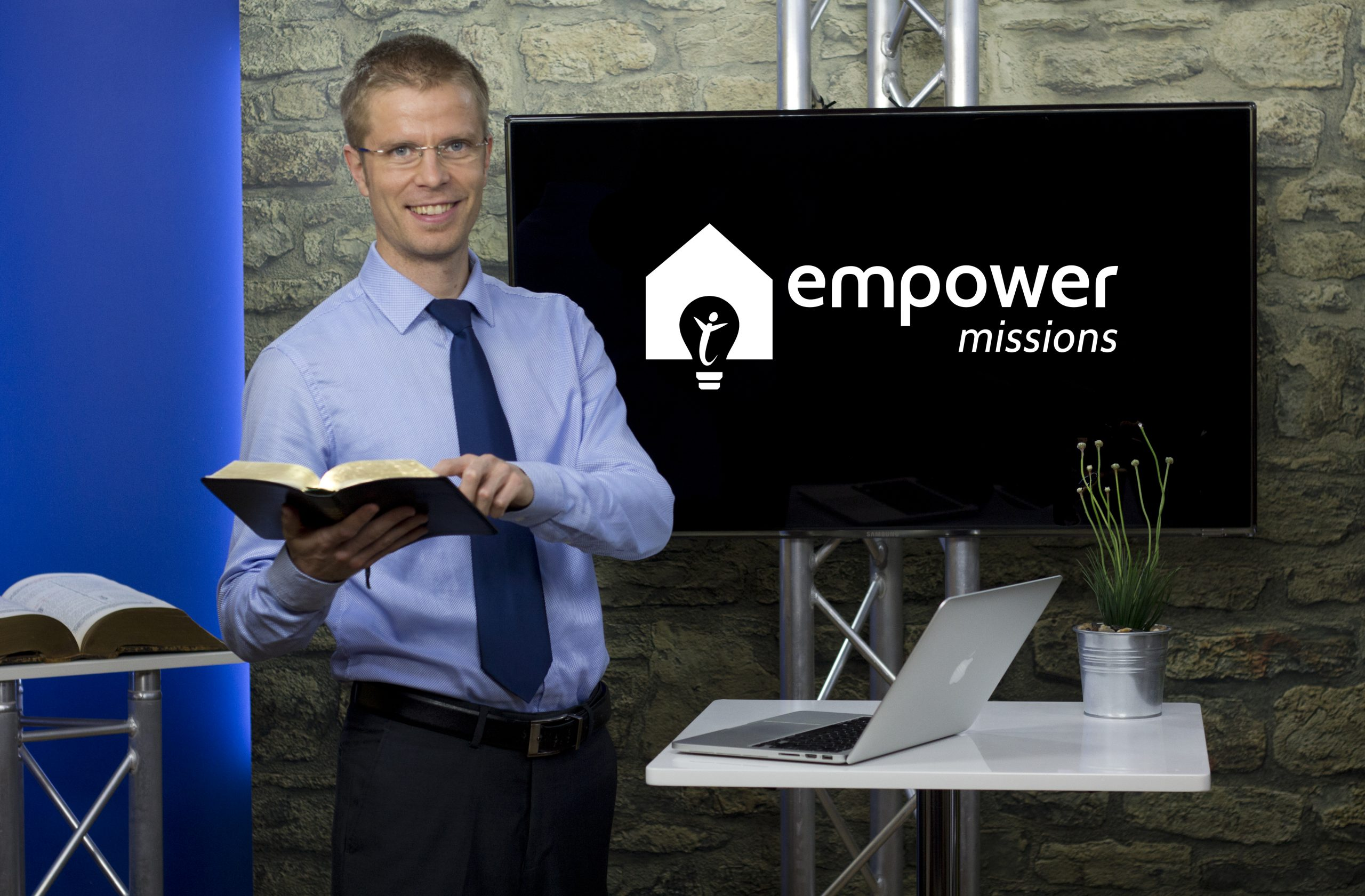 PS, empower screen